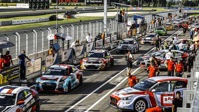 It's Saturday at WTCR Race of Slovakia