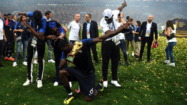 Feier-Weltmeister Frankreich: Da grinst sogar die Mona Lisa