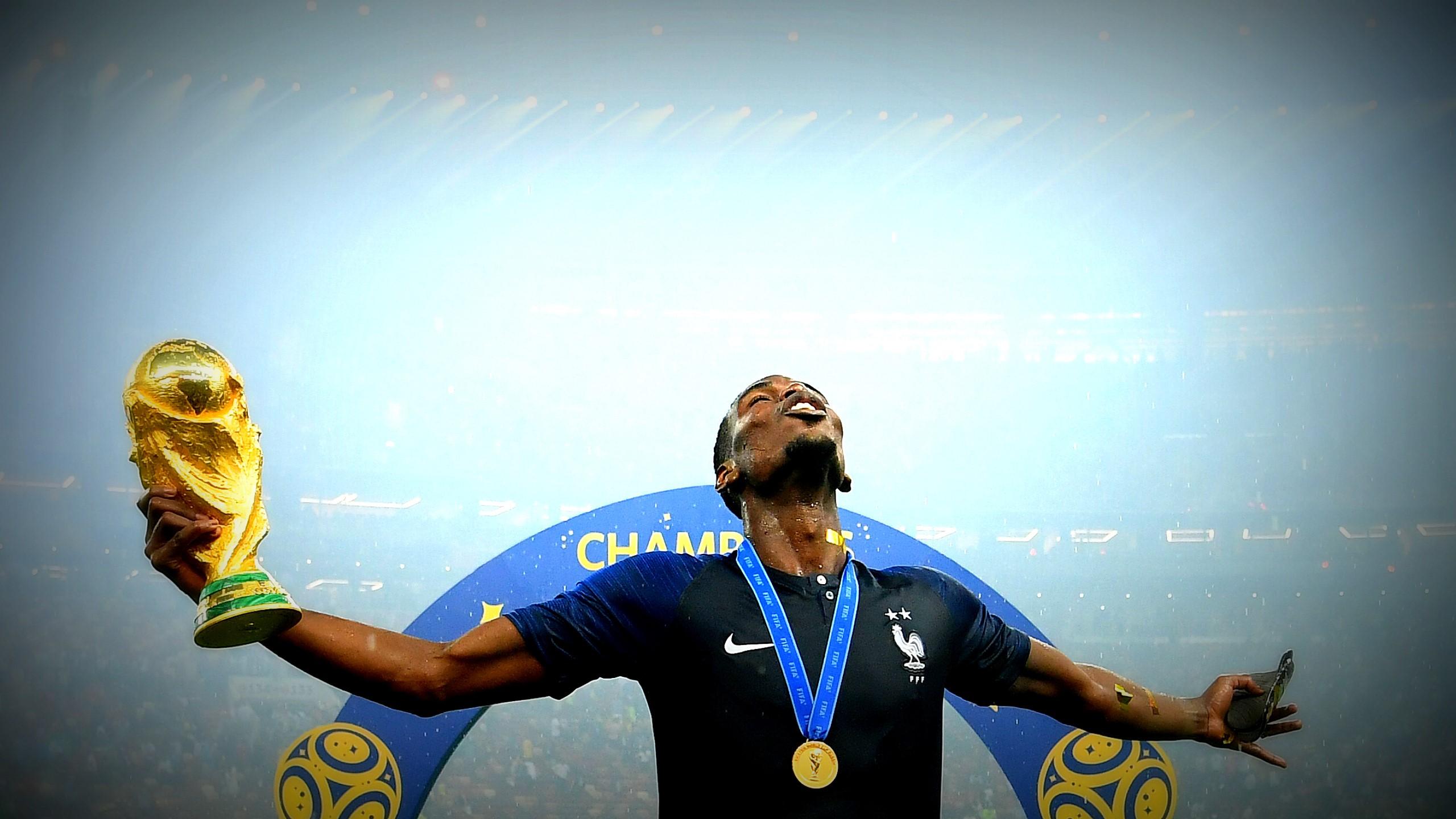 Paul Pogba et les Bleus sur le toit du monde.