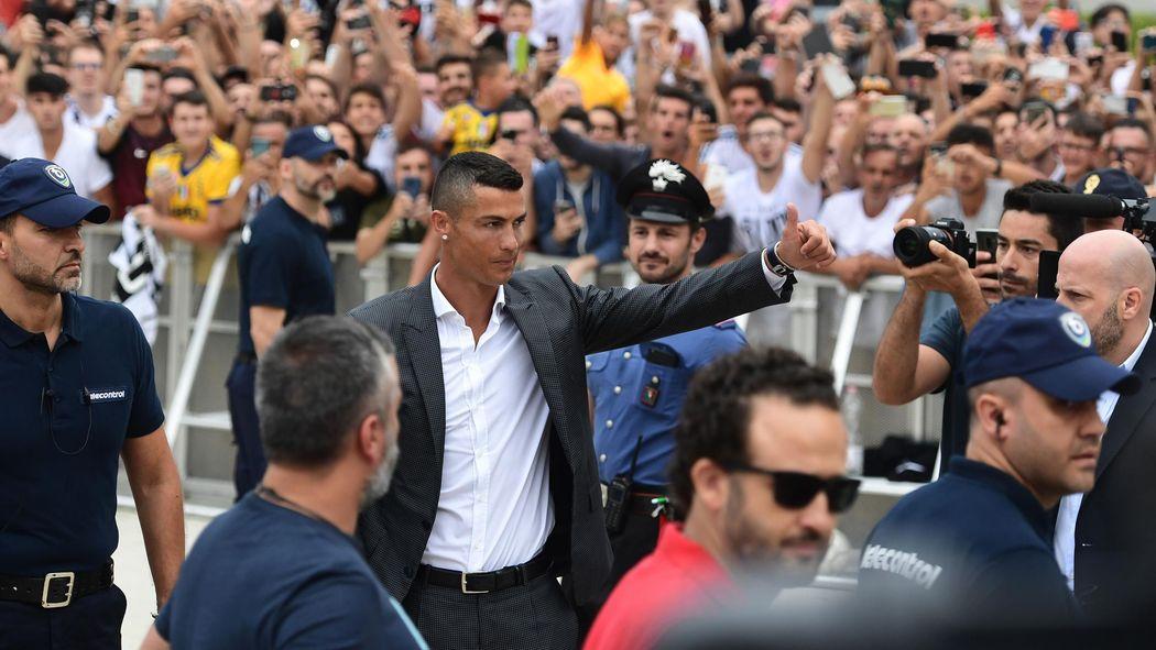 Cristiano Ronaldo Retourne L Italie Serie A 2018 2019 Football