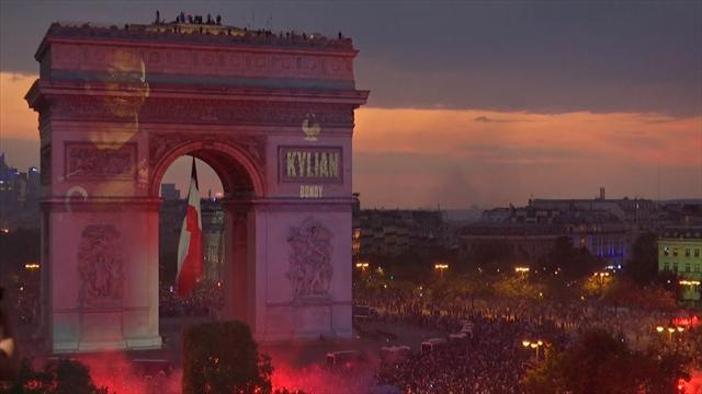 So feiert Frankreich seine WM-Helden am Arc de Triomphe