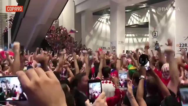 Che orgoglio! I tifosi della Croazia cantano anche dopo la finale persa