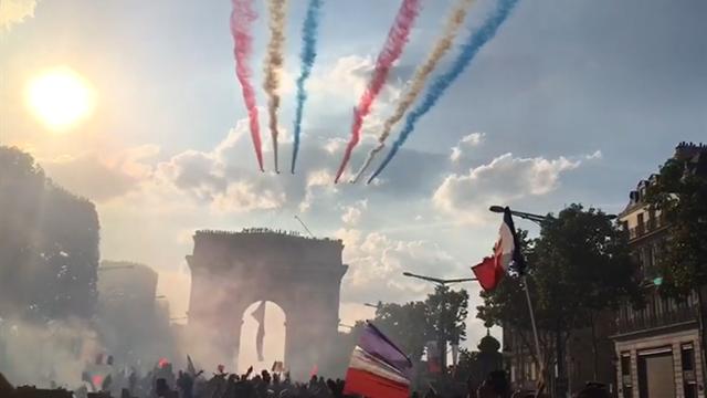 La patrouille de France a honoré (sans se tromper) les Bleus en passant au-dessus des Champs-Elysées