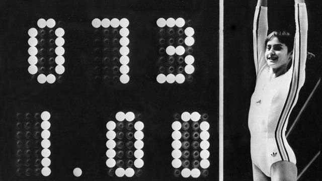 Nadia Comaneci e il primo 10 perfetto: 42 anni fa la 14enne sbalordiva il mondo