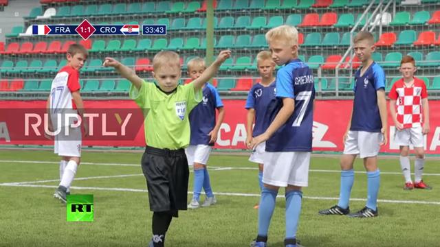 Un remake capolavoro della finale: Francia-Croazia rifatta dai bambini russi