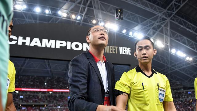 Arsenal-PSG : l'arbitre a effectué le tirage au sort… avec une carte bancaire