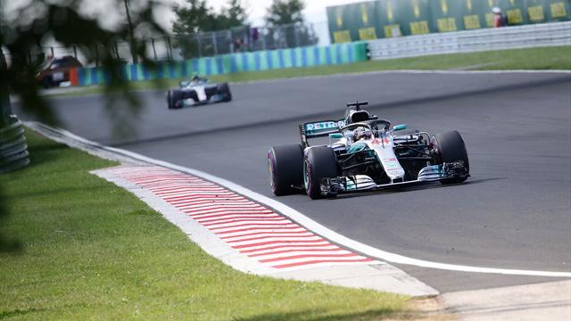 Lewis Hamilton farkı açıyor