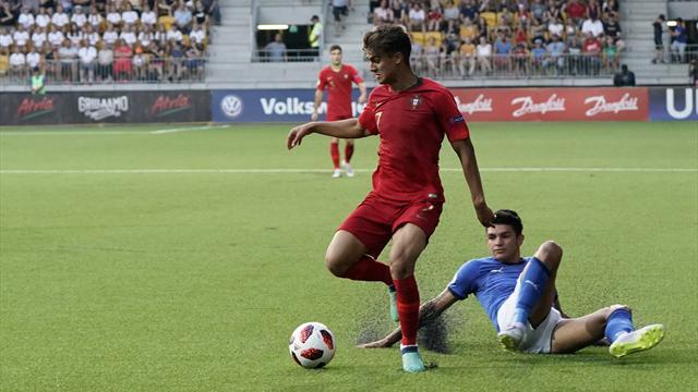 Au terme d'un match fou, les jeunes portugais imitent les grands