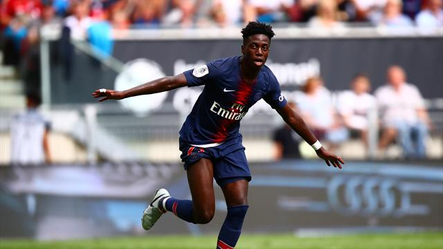 U.S. striker Weah confirms loan from PSG
