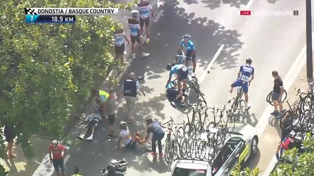 Mikel Landa sufre una fractura lumbar tras la caída en la Clásica de San Sebastián