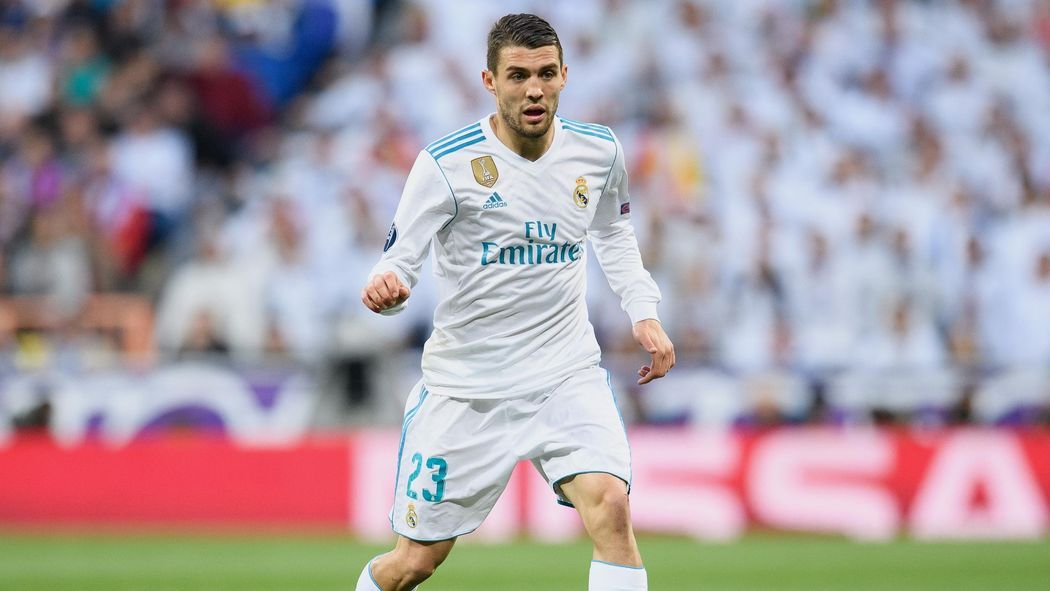 premium selection 6a91f 14b2b Chelsea complete loan signing of Real Madrid midfielder ...