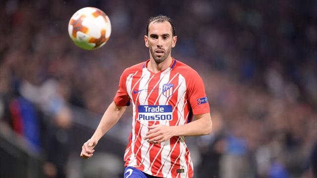 Godin n'a pas prolongé mais a «décidé de rester» à l'Atlético