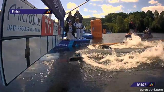 Ferry Weertman na waanzinnige finish Europees kampioen op 10 km open water