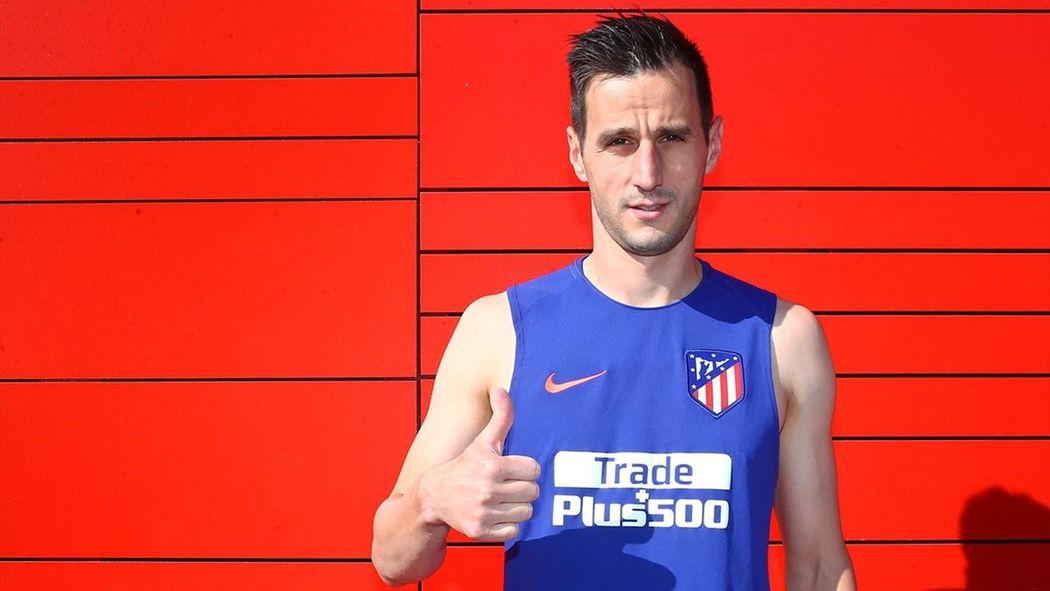 El Atlético de Madrid hace oficial el fichaje de Kalinic - Mercado de  Fichajes 2015-2016 - Fútbol - Eurosport Espana e474bf1f008ac