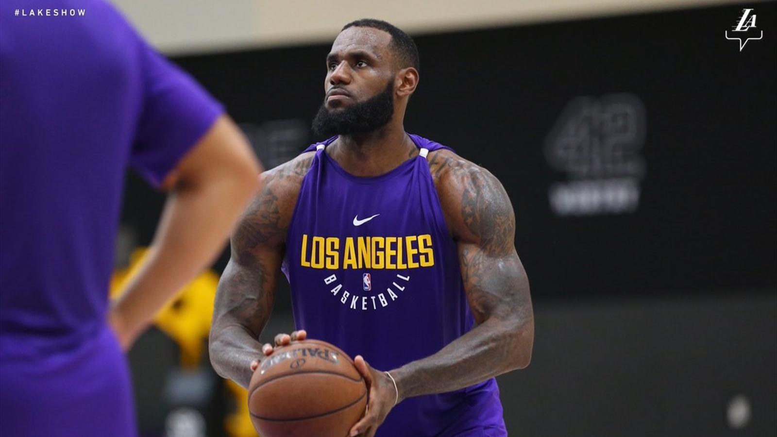 4338032a649 LeBron James è super carico  primo allenamento coi Los Angeles Lakers - NBA  2017-2018 - Basket - Eurosport