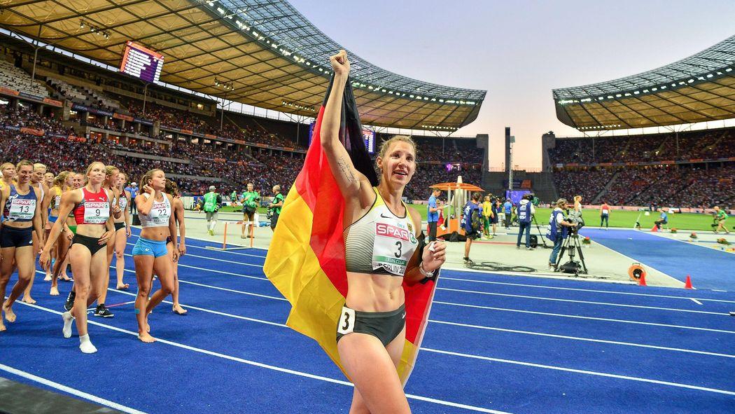 preiswert kaufen Schnelle Lieferung niedrigerer Preis mit Leichtathletik-EM in Berlin: Carolin Schäfer holt EM-Bronze ...