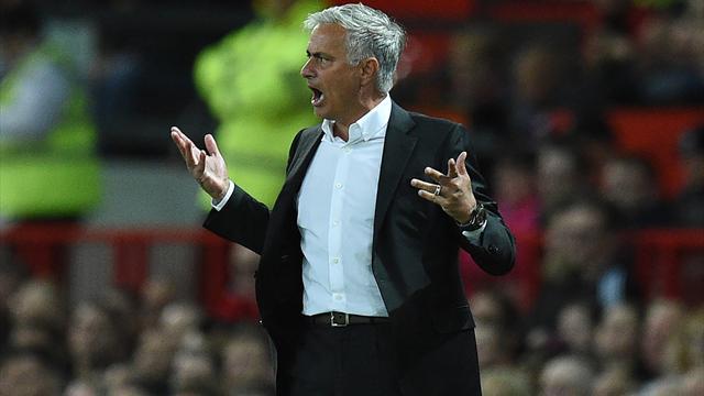 «МЮ» превратился в «Арсенал». Руководство «дьяволов» возбуждают деньги, а не титулы