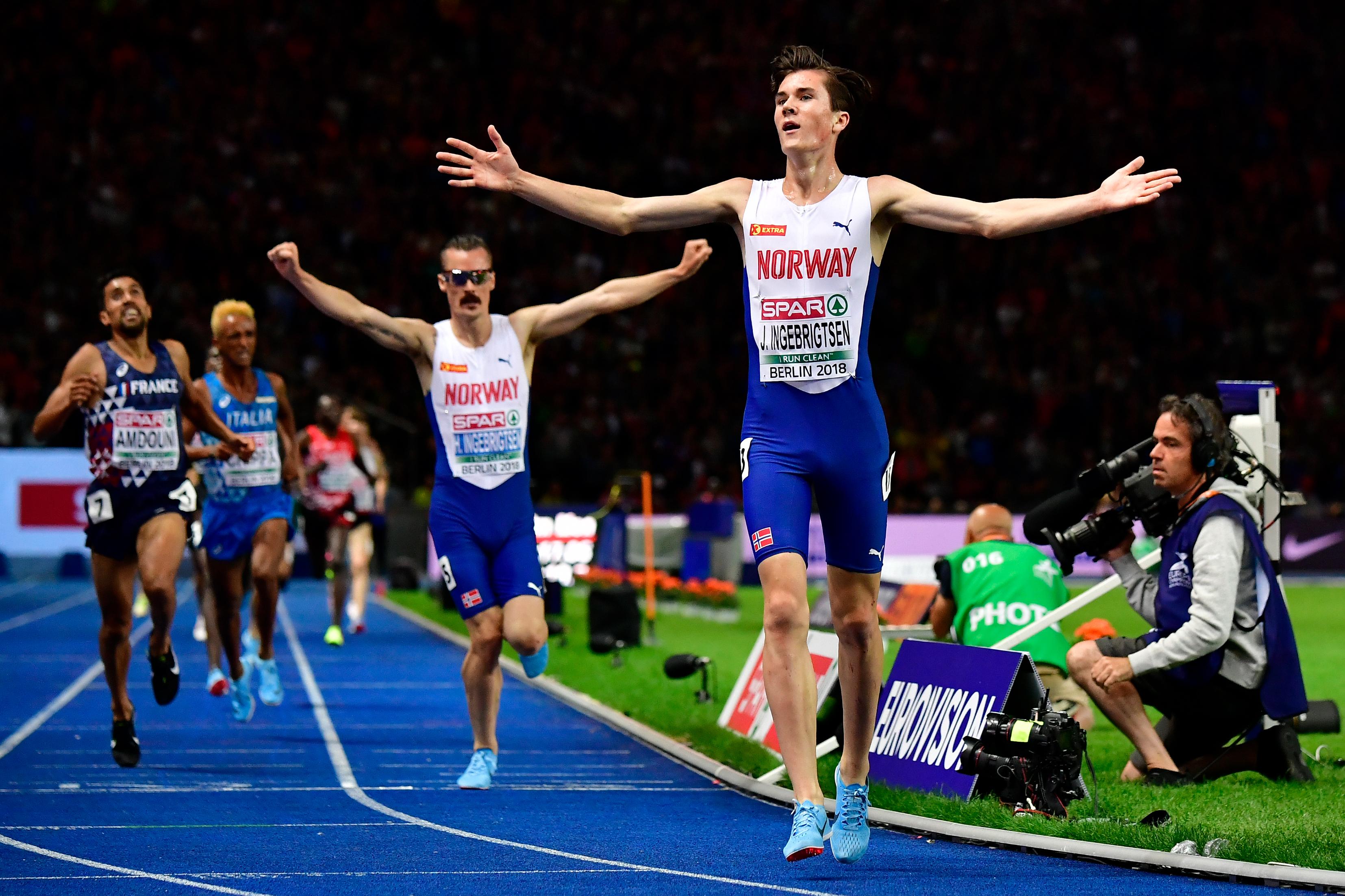 Jakob Ingebrigtsen gewinnt Gold über 5000 Meter