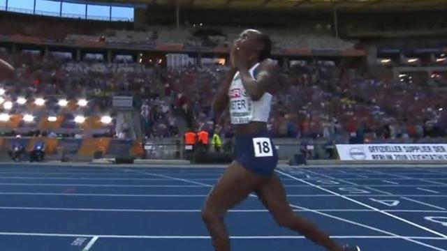 5000m : Salpeter célèbre une 2e place... alors qu'il reste un tour