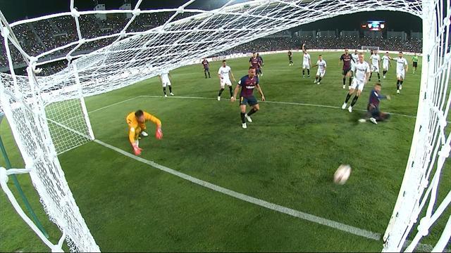 Messi centra un palo clamoroso, ma Piqué non perdona: il Barcellona pareggia 1-1