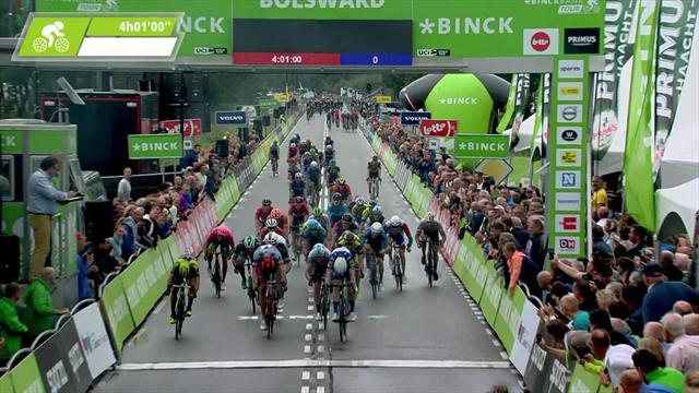 Premier leader, Jakobsen fait fort en s'offrant Kittel et Ewan au sprint