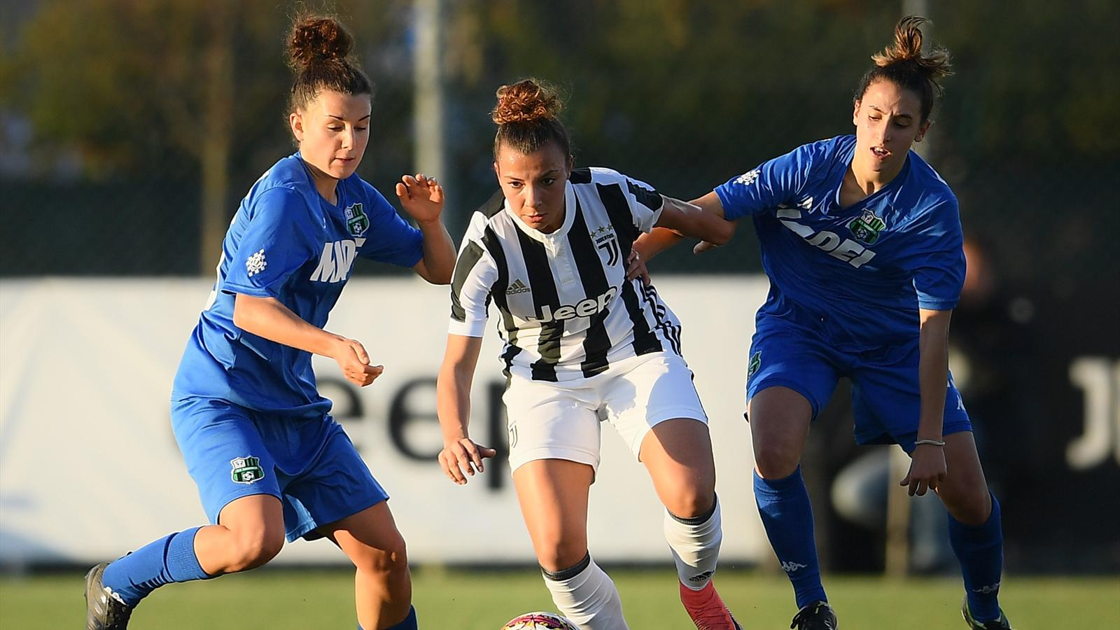 Calendario Calcio Femminile Serie B.Calcio Femminile Sospesi I Campionati Di Serie A E Di Serie