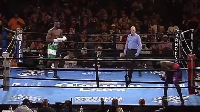 Величайший бой в истории бокса: американец вышел на ринг и сразу после гонга убежал в знак протеста