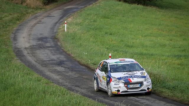 Wagner catching ERC Junior U27 rival Sesks in Zlín