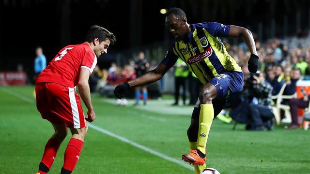 Bolt realizza il suo sogno: esordio da calciatore professionista, gioca per 20 minuti