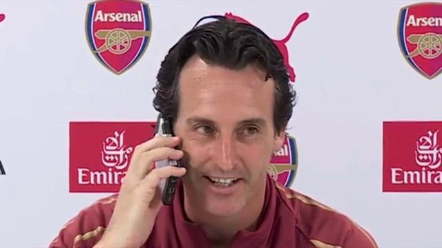 Quand Emery répond au téléphone d'un journaliste en pleine conférence de presse