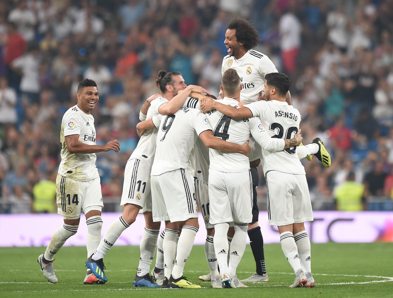 Karim Benzema et ses coéquipiers du Real Madrid fêtent un but face à Leganés / Liga
