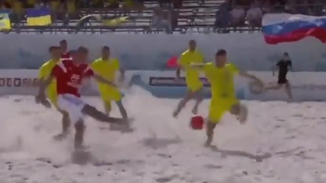 Сборная России по пляжному футболу разгромила Украину со счетом 6:0 в Суперфинале Евролиги