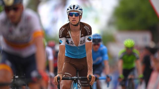Vuelta: colpo doppio Yates, tappa e maglia rossa