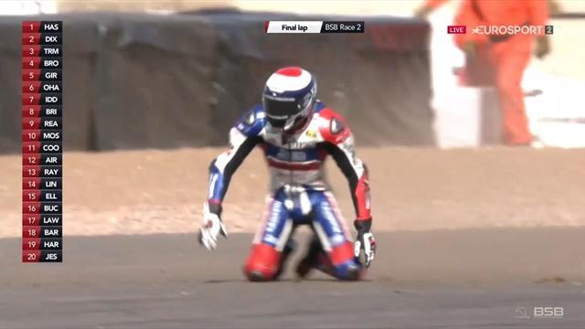 Final lap drama as Dixon, Mackenzie crash