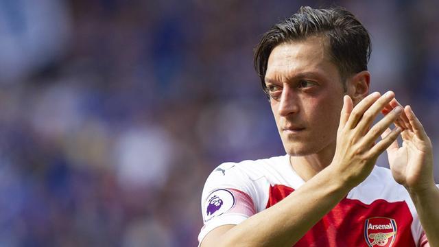 Edicola: il Manchester United piomba su Ozil, il Barcellona prova a strappare Monchi alla Roma