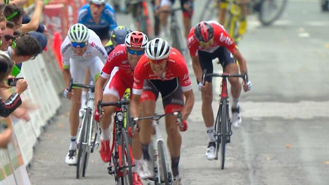 Stuyven mate Clayes et Barguil pour s'offrir le GP de Wallonie