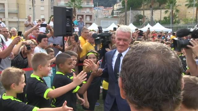 Deschamps inaugure un stade à son nom