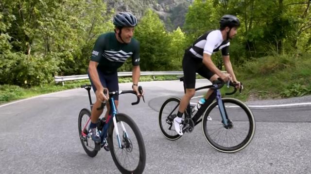 Flecha y Contador reconocen el Coll de La Gallina y dejan un memorable final