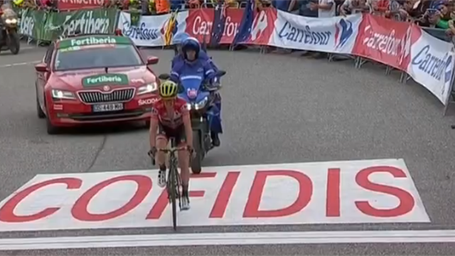 """Här har ni slutsegraren i Vueltan, Simon Yates"""