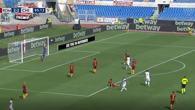 Голкипер «Ромы» в героическом прыжке вытащил мяч из девятки на 95-й минуте матча с «Кьево»