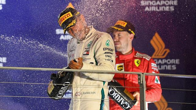 Hamilton wins in Singapore to open up big championship lead