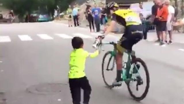 El gesto de Bennett en la Vuelta que un pequeño seguidor no olvidará nunca y otras noticias