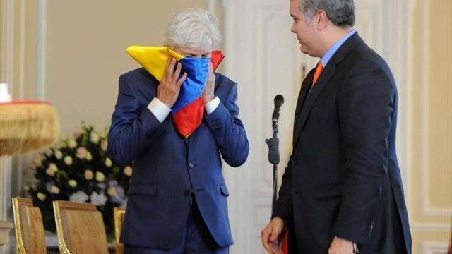 ¡A pura lágrima! Emocionante homenaje del presidente de Colombia a Pékerman