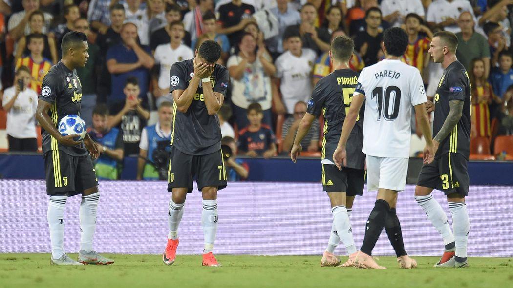 637dfe6e5 Football news - Juventus grind out win despite shock Cristiano Ronaldo red  card - Champions League 2018-2019 - Football - Eurosport UK