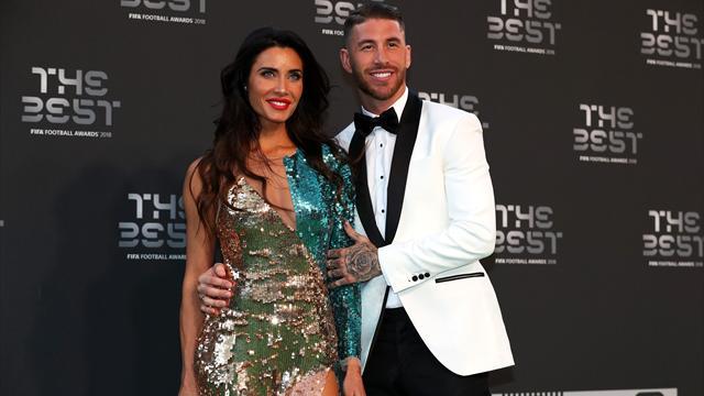 Niveau look, Ramos et Dani Alves ont fait dans l'original pour la cérémonie The Best