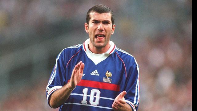 Le maillot de Zidane vendu aux enchères fera-t-il partie des plus chers de l'histoire ?