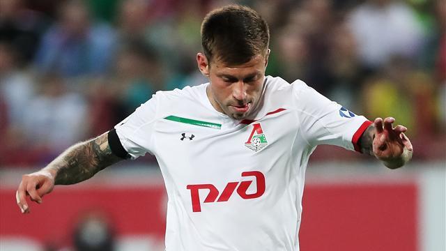 Смолов пропустит месяц из-за травмы плеча и не сыграет с «Шальке» и ЦСКА