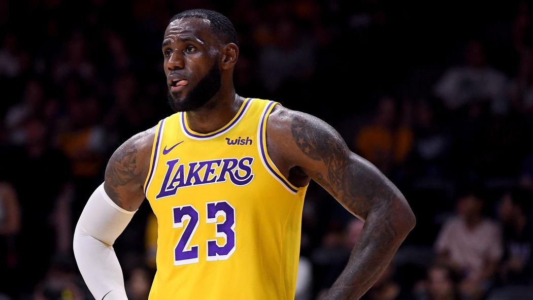 1ac0ff0f4d7 LeBron James brillant mais battu pour ses débuts avec les Lakers - NBA  2018-2019 - Basketball - Eurosport