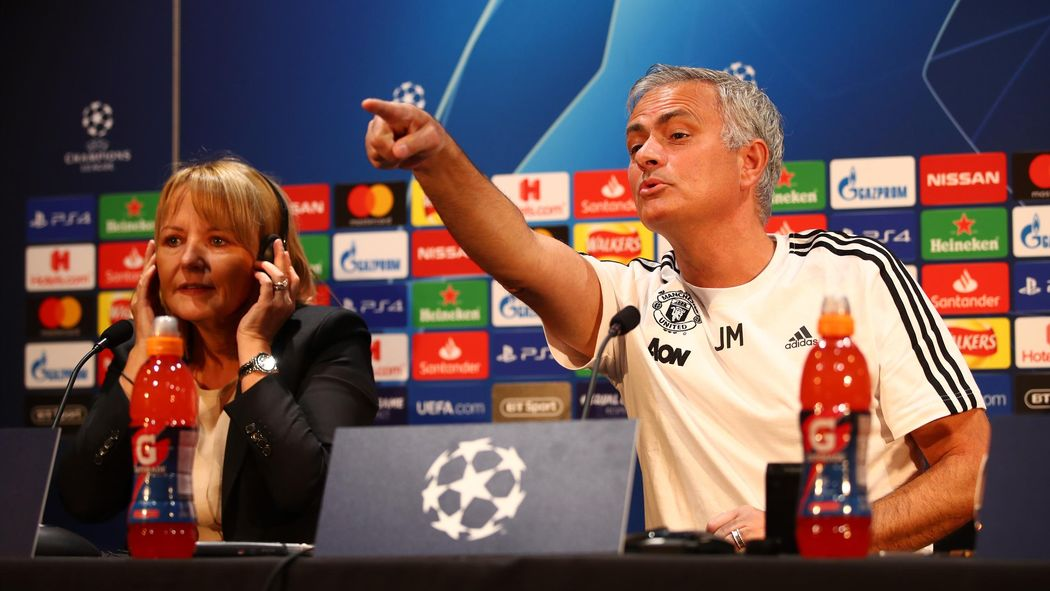 Jose Mourinho Turns Tables On Journalist During Manchester United - Conference table football