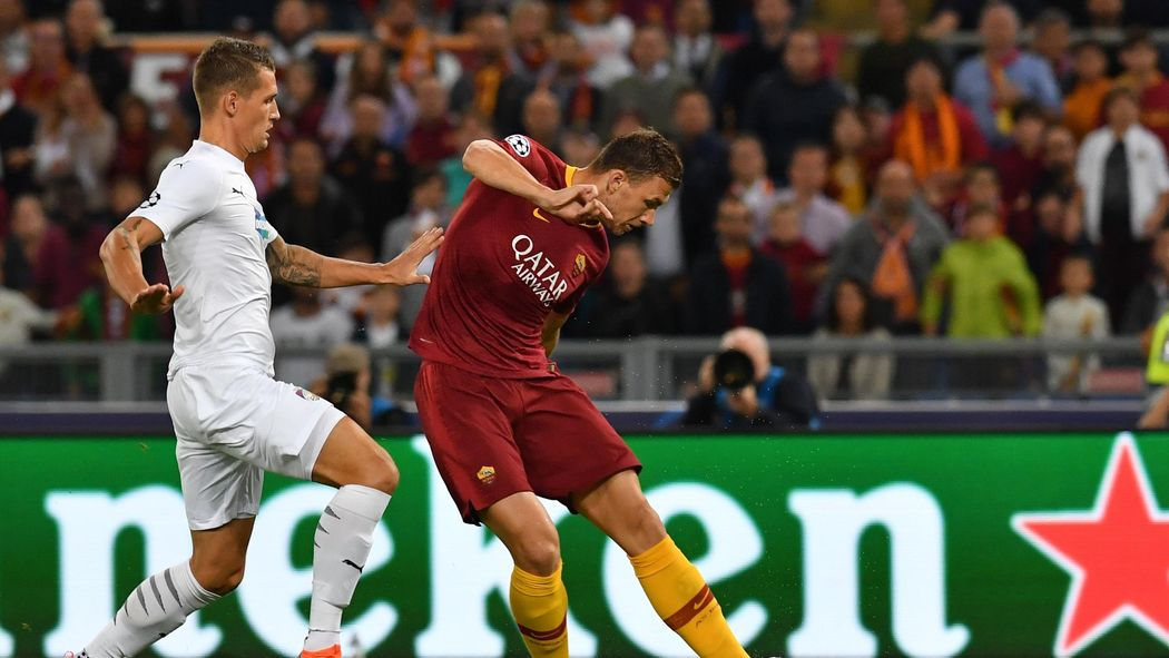 d3d19abaed Le pagelle di Roma-Viktoria Plzen 5-0: Dzeko dominante, benissimo  Pellegrini - Champions League 2018-2019 - Calcio - Eurosport